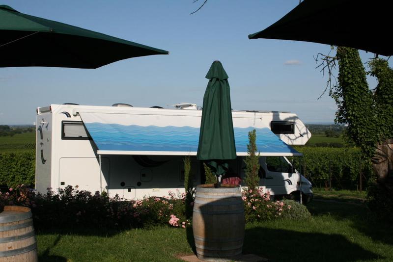 Wohnmobil Standplätze mit Strom- und Wasserversorgung